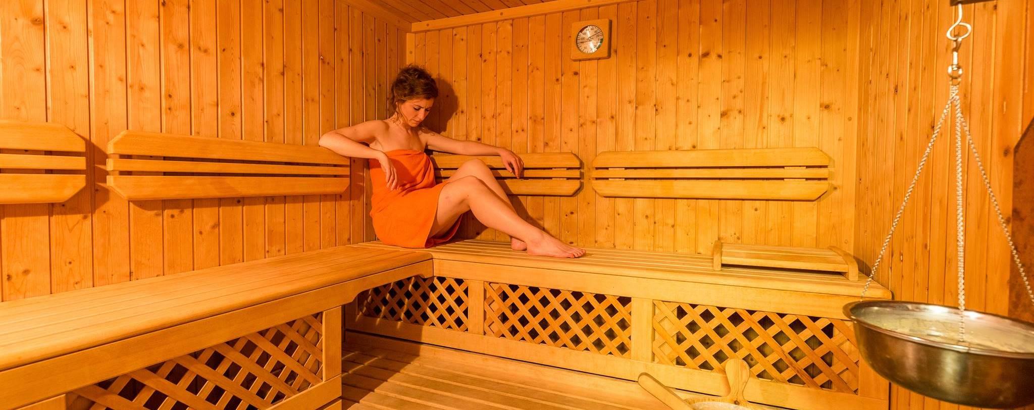 Benefici Della Sauna Finlandese.Sauna Finlandese Umbria Le Torri Di Porsenna